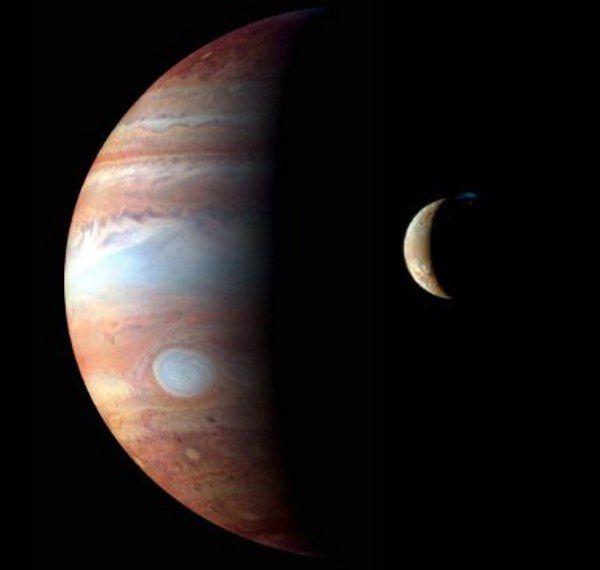 To już niemal pewne, na księżycu Jowisza jest woda