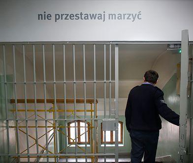 Osadzona oskarżyła strażnika o gwałt