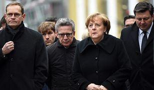 Merkel i inni przedstawiciele władz na miejscu zamachu 20 grudnia