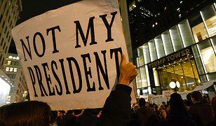 """""""Donald Trump musi odejść"""". Tysiące ludzi na ulicach. Relacja Leszka Krawczyka z Nowego Jorku"""
