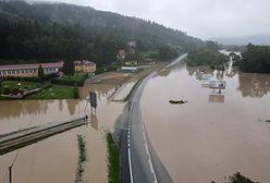 Przekroczone stany alarmowe na rzekach. 2 tys. interwencji strażaków