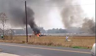 Dwusilnikowy samolot runął na ziemię. Są zabici i ranni