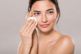 Płyn micelarny – historia, działanie, właściwości, cena, podstawa pielęgnacji każdego typu skóry