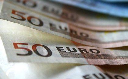 Cena euro spadła do najniższego poziomu od miesiąca
