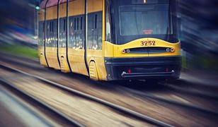 Chciała przejść przez torowisko, weszła pod tramwaj. 89-latka zginęła na miejscu
