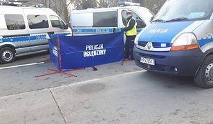 Śmiertelny wypadek w Warszawie. Samochód potrącił 72-latkę