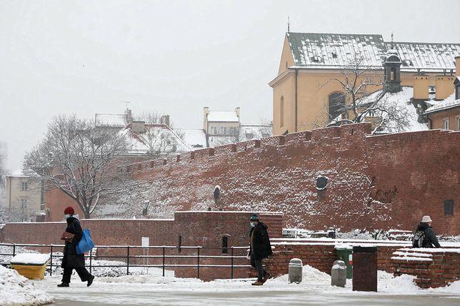 Warszawa. W niedzielę prognozowane są opady śniegu