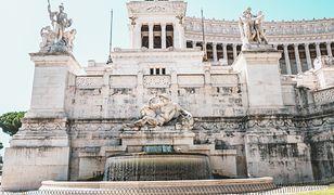 Kąpiel w zabytkowych rzymskich fontannach jest zabroniona