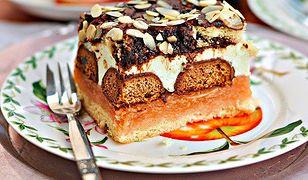 Jabłecznik z pierniczkami i polewą czekoladową