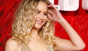 Wszyscy patrzyli tylko na Jennifer Lawrence. W zjawiskowej sukni dekolt sięgał pępka