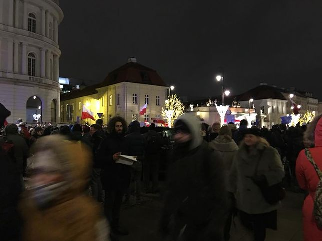 Protest przed Pałacem Prezydenckim.