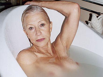 65-letnia aktorka pozuje nago!