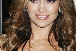 ''The Boy Next Door'': Gdzie się podział biust Jennifer Lopez?