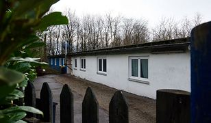 Niemieckie miasto broni decyzji o azylantach w byłym obozie koncentracyjnym