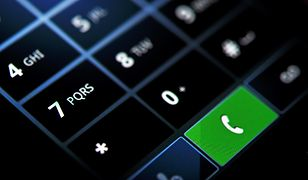 Praktyczny telefon bez nadmiaru funkcji jest dużo tańszy od smartfona