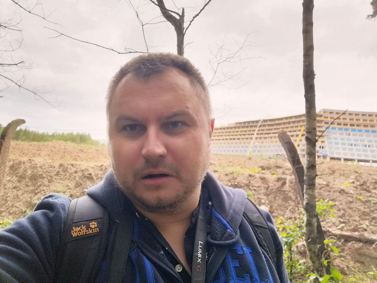 Pojechałem na budowę największego hotelu w Polsce. Usłyszałem, że jestem złodziejem samochodów