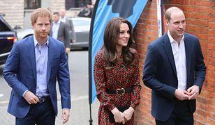Księżna Kate, książę William i książę Harry na przyjęciu bożonarodzeniowym