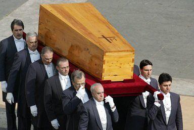 Uroczystości pogrzebowe Papieża minuta po minucie