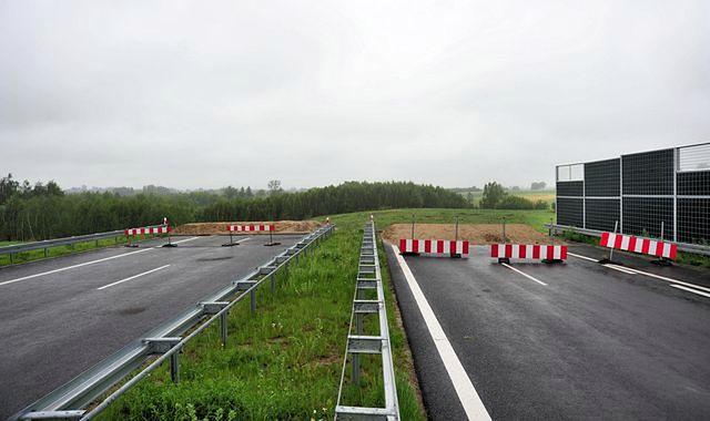 Ambitne plany budowy dróg w niektórych przypadkach prezentują się dziś tak, jak na zdjęciu