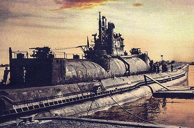 Japoński podwodny lotniskowiec klasy I-400