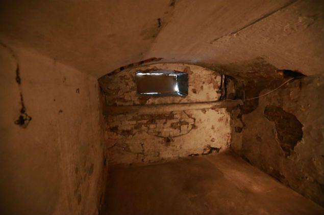 Podziemia budynku dawnej katowni gestapo, NKWD i UB w Płocku