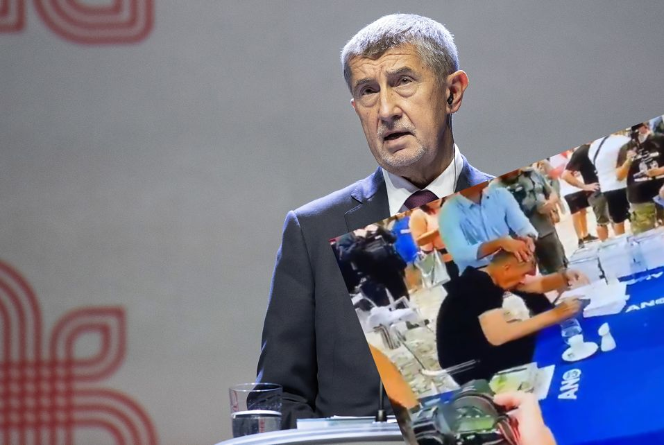 Czechy. Antyszczepionkowcy zaatakowali premiera jajkiem (PAP/EPA)