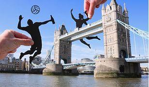 Tower Bridge jako siatka do gry w piłkę plażową. Czemu nie!