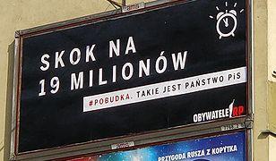 Druk i wywieszenie plakatów finansowane są z publicznej zbiórki.