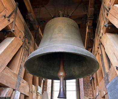 Koronawirus w Polsce. W południe zabił dzwon Zygmunta. Wzywały do modlitwy