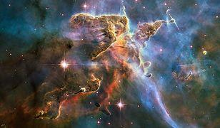 """Naukowcy """"znaleźli"""" brakującą połowę materii wszechświata"""