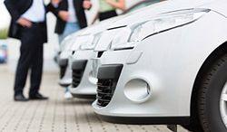 Rośnie sprzedaż nowych aut i import używanych
