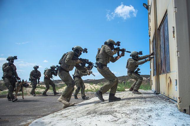 Operacja Piorun. Najbardziej niesamowita akcja sił specjalnych w historii