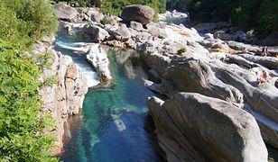 Szwajcaria - niesamowita rzeka Verzasca
