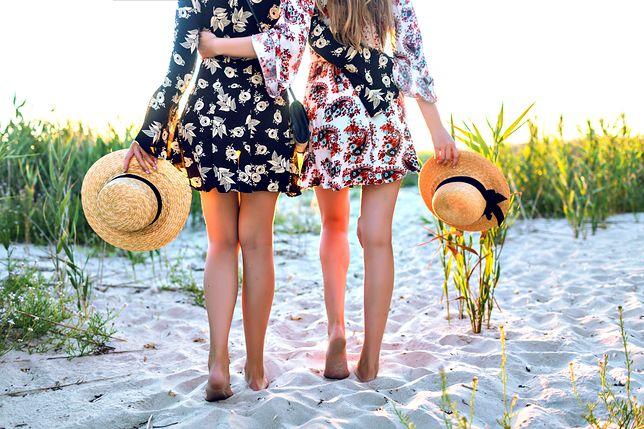 Kobiece sukienki do 70 złotych. Idealne na letnie upały i różne okazje