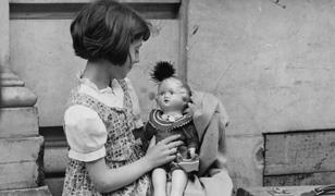 Z czasów II RP wywodzi się ostrzeżenie, by dzieci nie brały słodyczy od nieznajomych