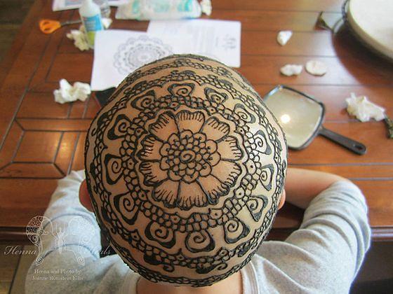 Lecznicze tatuaże na głowach