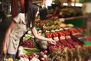 Te owoce i warzywa są najbardziej skażone