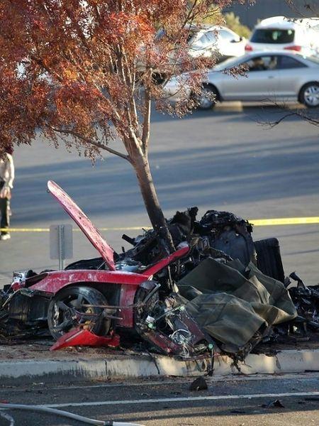Dlaczego kierowca wyścigowy stracił panowanie?
