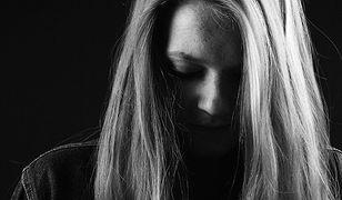 Zgwałciło ją dwóch mężczyzn. By uciec oprawcom, wyskoczyła przez okno