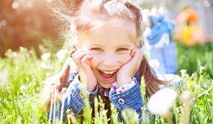 Wiosenny niezbędnik dla małej dziewczynki. Zobacz modne i urocze ubranka