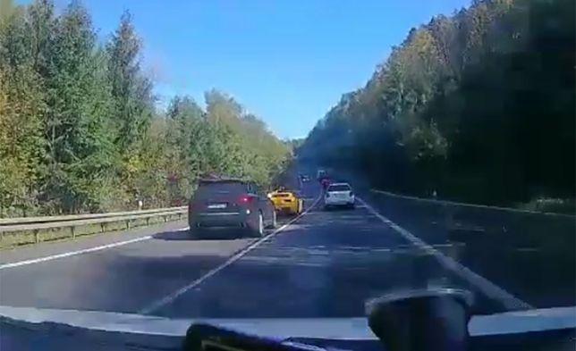 Na filmie opublikowanym przez słowacką policję widać przebieg wypadku