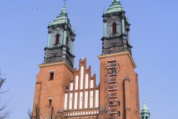 Wiatr uszkodził wieże Katedry Poznańskiej