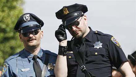 """Wyszkolą policję, jak """"obsłużyć"""" gejów"""