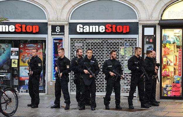Śledczy: sprawca strzelaniny w Monachium oddał prawie 60 strzałów. Zamach planował od roku
