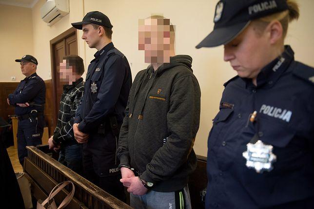 Surowy wyrok ws. podpalenia kobiety. Sprawcy zostali skazani na dożywocie