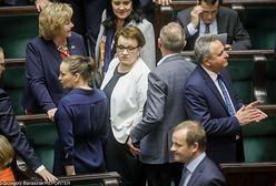 """Samotność szefowej MEN. Wróblewski: """"Anna Zalewska żegna się z rządem. To smutny obraz"""" [OPINIA]"""