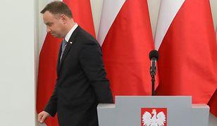 Prezydent Andrzej Duda po konferencji prasowej po spotkaniu z przedstawicielami klubów w Pałacu Prezydenckim