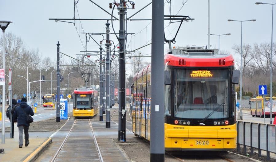 Warszawa. Zmarł mężczyzna, który w poniedziałek wpadł na Mokotowie pod tramwaj odbywający przejazd techniczny