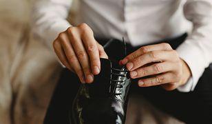 Jak zadbać o lakierowaną skórę? Buty i galanteria odzyskują blask