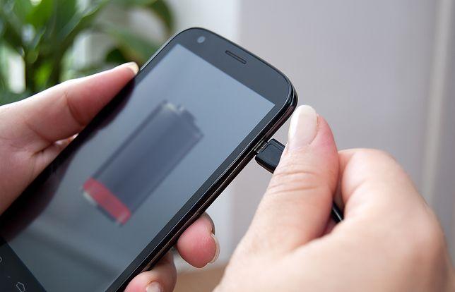 Oto kilka porad, jak przyśpieszyć ładowanie telefonu